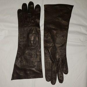 Accessories - Chocolate Brown Deerskin unlined vintage gloves.